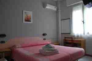 Hotel Laura Miramare di Rimini - Hotel economico a gestione familiare